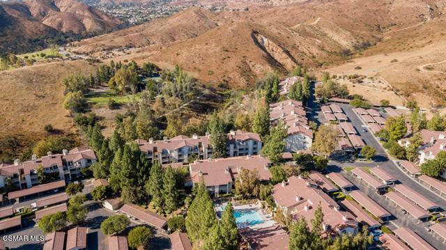 Photo of 697 Sutton Crest Trail #211, Oak Park, CA 91377