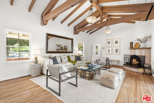 6. 2700 S Oak Knoll Avenue San Marino, CA 91108