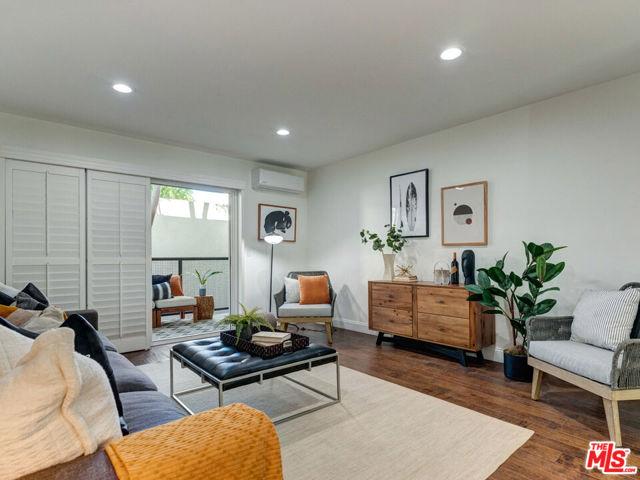 9005 Cynthia Street 217, West Hollywood, CA 90069