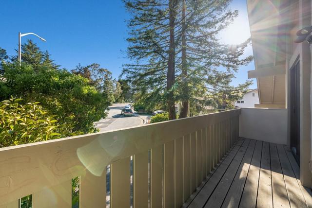 41. 1952 Timberlane Way San Mateo, CA 94402