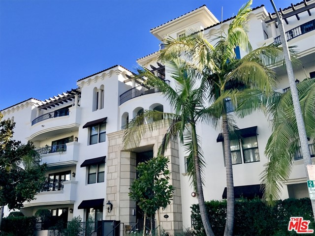 "Superior location near fine dining, shopping and many activities.  Located in the very high demand ""Clark Regency"". The beautiful high quality furnishings make this condo feel luxurious yet comfortable.  Split bedroom floor plan offering two master suites and open floor plan is perfect for entertaining and hosting guests.  Available Sept 5, 2020. Unfurnished option available."