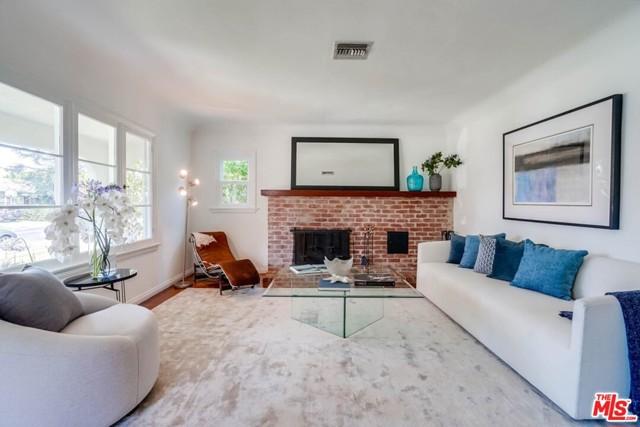 4. 1724 S Carmelina Avenue Los Angeles, CA 90025