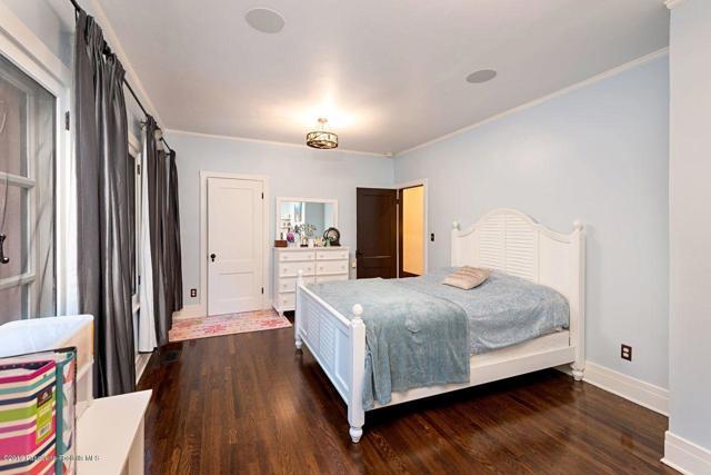 4309 Woodleigh Lane La Canada Flintridge, CA 91011