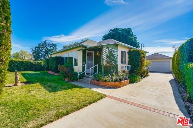 16936 KESWICK Street, Lake Balboa, CA 91406