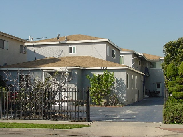 12737 Mitchell Ave, Los Angeles, CA 90066