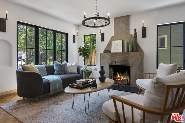 2. 1339 Coronado Terrace Los Angeles, CA 90026
