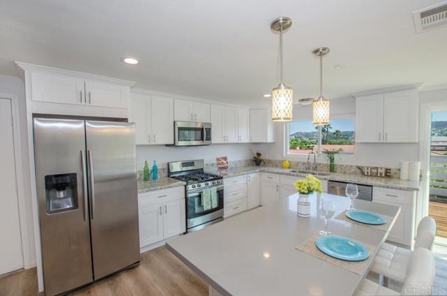 8607 Carlton Oaks Drive, Santee, CA 92071