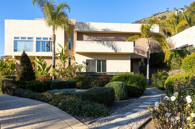 2526 San Clemente Ave., Vista, CA 92084