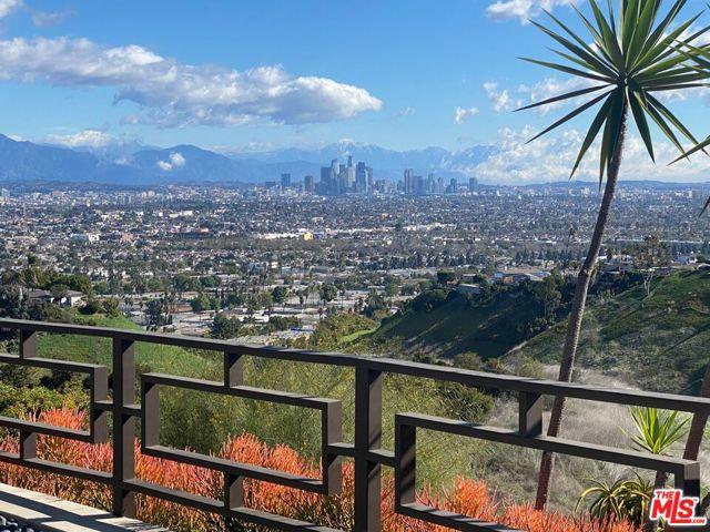 35. 4146 Mantova Drive Los Angeles, CA 90008