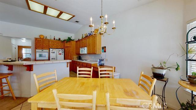 Image 32 of 19383 Arcata Rd, Apple Valley, CA 92307