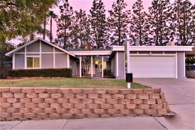 9617 Saint Andrews Dr, Santee, CA 92071