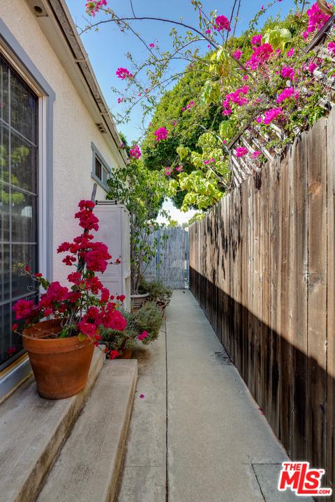 2134 Oak St, Santa Monica, CA 90405 Photo 23