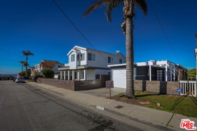 1221 10TH Street, Hermosa Beach, California 90254, 3 Bedrooms Bedrooms, ,2 BathroomsBathrooms,For Rent,10TH,20593906