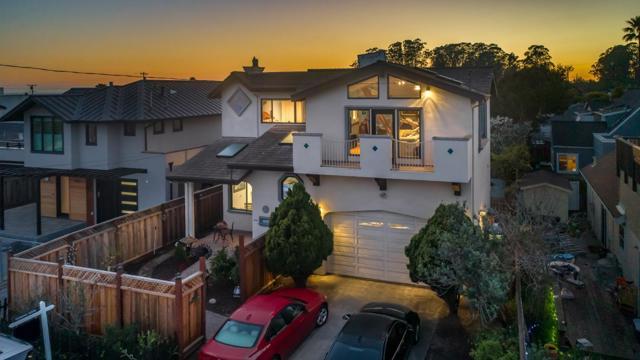 125 32nd Avenue, Santa Cruz, CA 95062