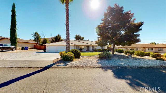 Image 2 of 19383 Arcata Rd, Apple Valley, CA 92307