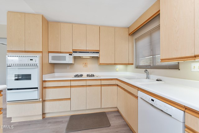 Built in microwave and gas oven