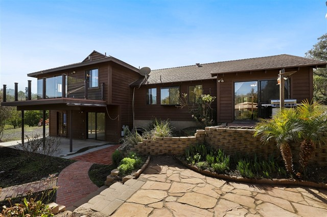 15185 Villa Sierra Rd, Valley Center, CA 92082