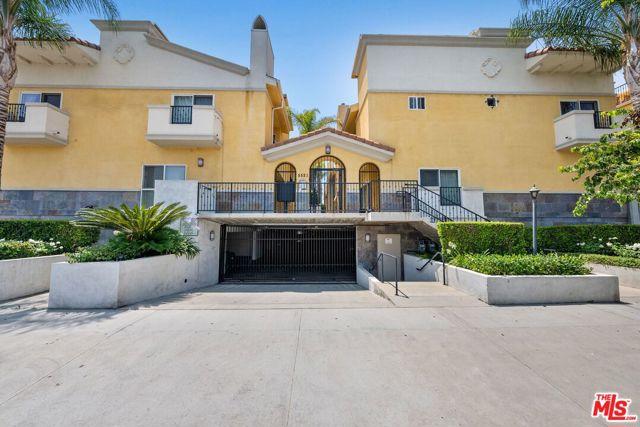 5521 Kester Avenue 8, Sherman Oaks, CA 91411