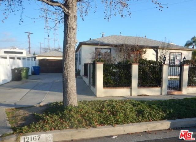 12167 KESWICK Street, North Hollywood, CA 91605