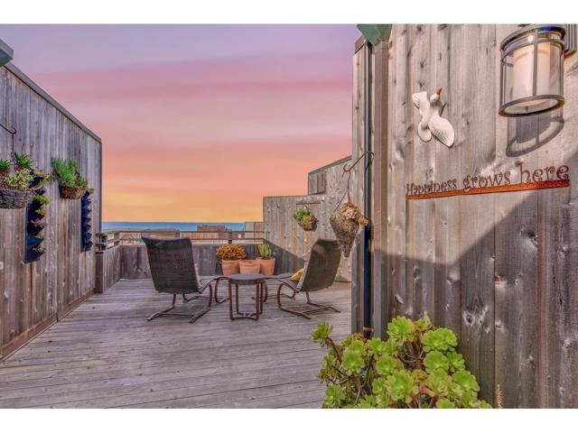125 Surf Way 439, Monterey, CA 93940