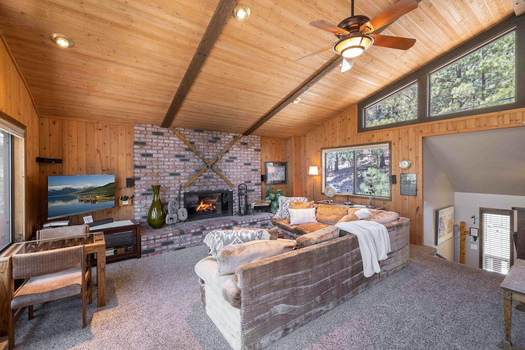 586     Villa Grove Avenue, Big Bear CA 92314