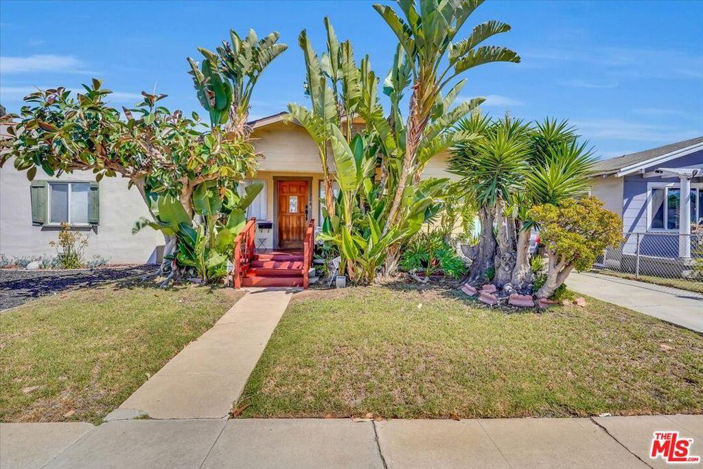 6326 S Rimpau Boulevard, Los Angeles, California 90043, 2 Bedrooms Bedrooms, ,1 BathroomBathrooms,Residential,For Sale,6326 S Rimpau Boulevard,21785094