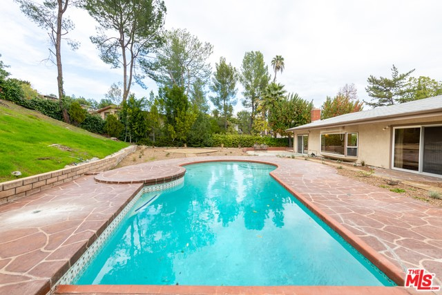 19651 GREENBRIAR Drive, Tarzana, CA 91356