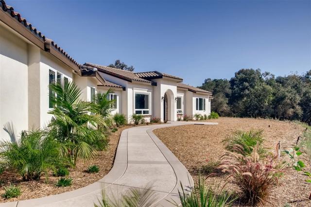 465 Morro Hills Road, Fallbrook, CA 92028