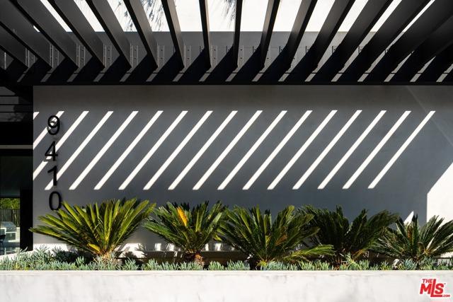 23. 9410 Sierra Mar Place Los Angeles, CA 90069