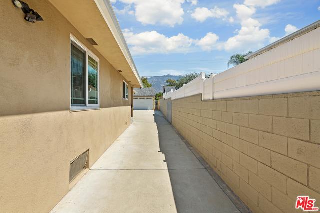 52. 1955 Brigden Road Pasadena, CA 91104