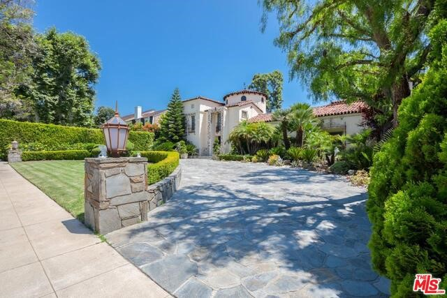 910 N WHITTIER Drive, Beverly Hills, CA 90210