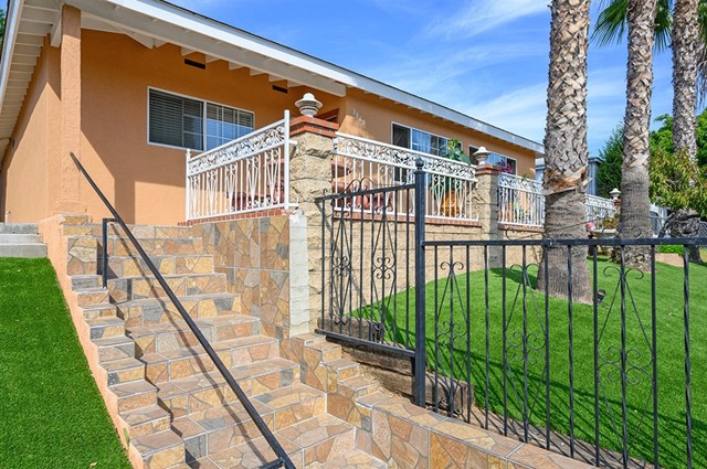 3840 FRANKLIN AVE., San Diego, CA 92113