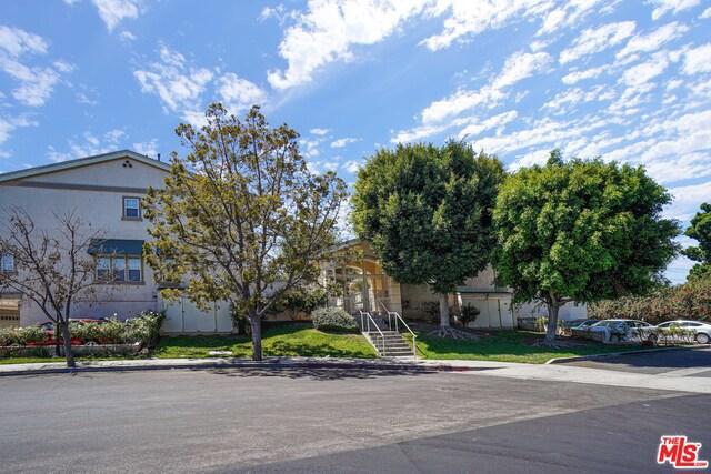 5740 S GLENNIE Lane D, Los Angeles, CA 90016