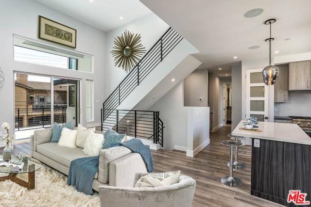 1703 PHELAN Lane, Redondo Beach, California 90278, 5 Bedrooms Bedrooms, ,5 BathroomsBathrooms,For Sale,PHELAN,20581360