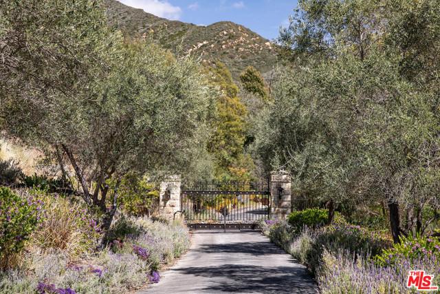 1228 Mission Canyon Pl, Santa Barbara, CA 93105 Photo 2