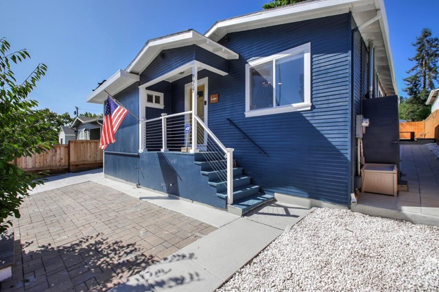 7957 Fontaine Street, Oakland, CA 94605