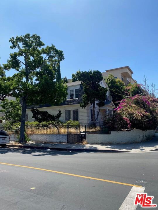 950 S Wilton Pl, Los Angeles, CA 90019