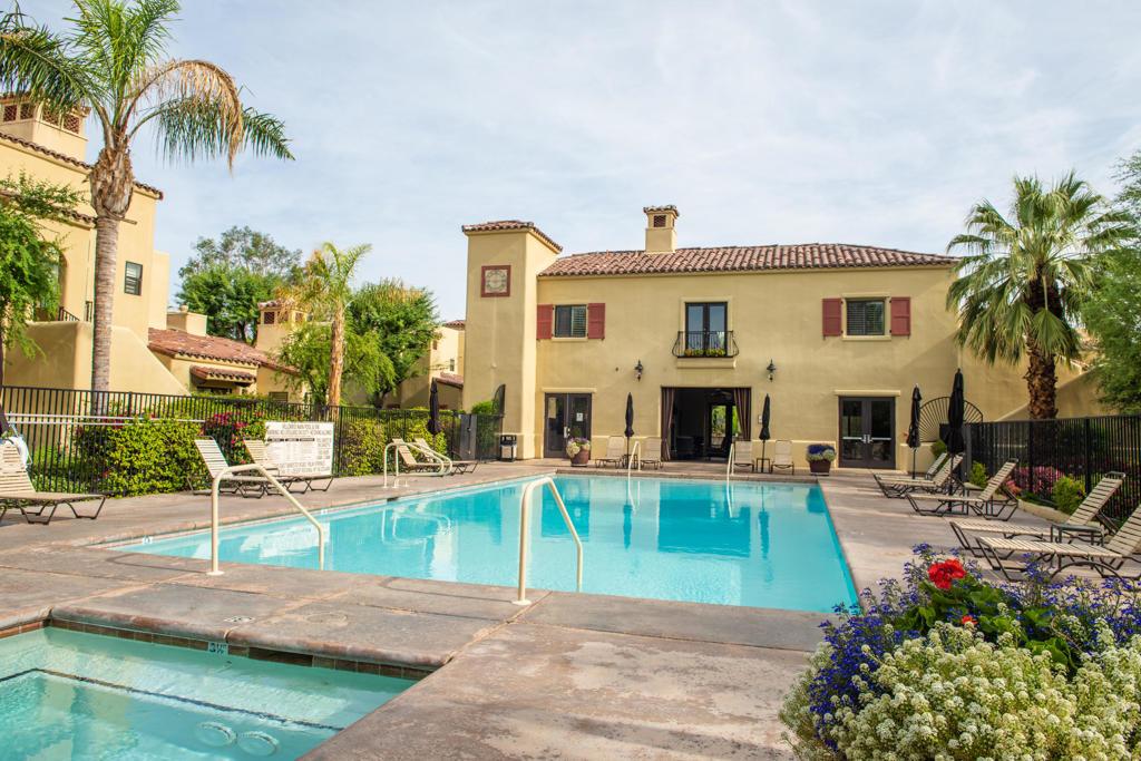 202     Villorrio Drive E, Palm Springs CA 92262