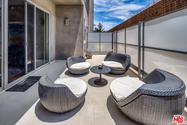 9. 4211 Redwood Avenue #105 Los Angeles, CA 90066