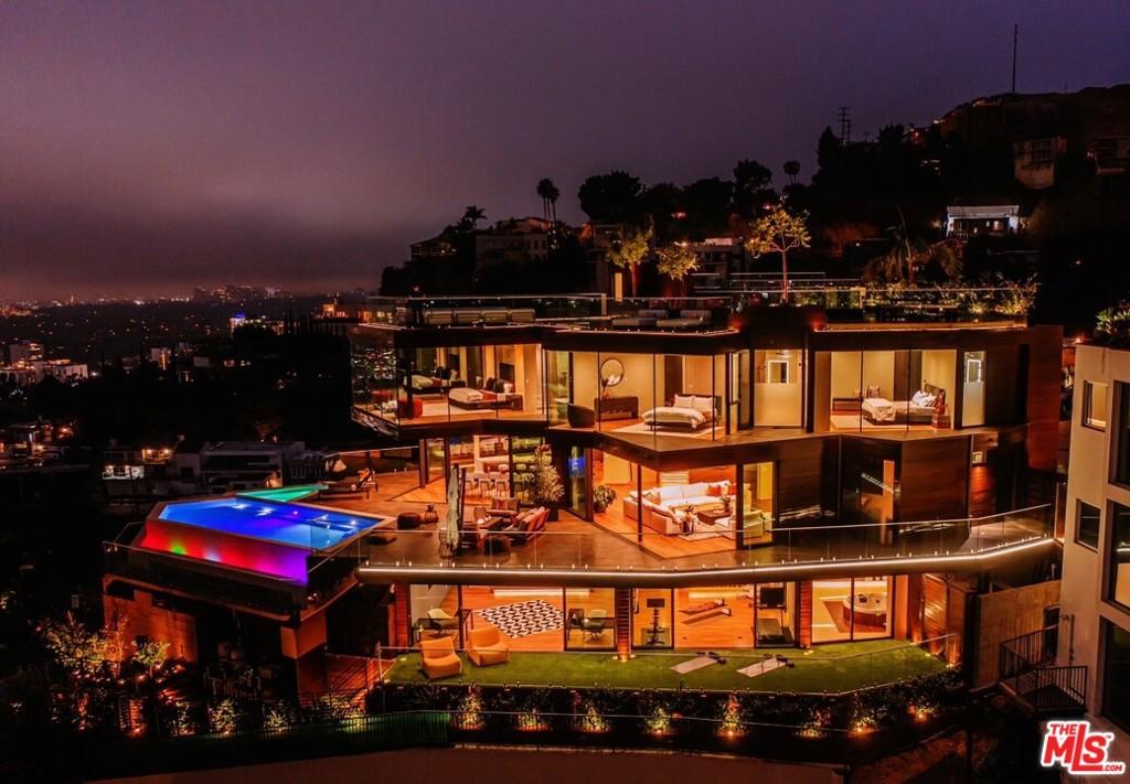 Photo of 8542 Hollywood Boulevard, Los Angeles, CA 90069