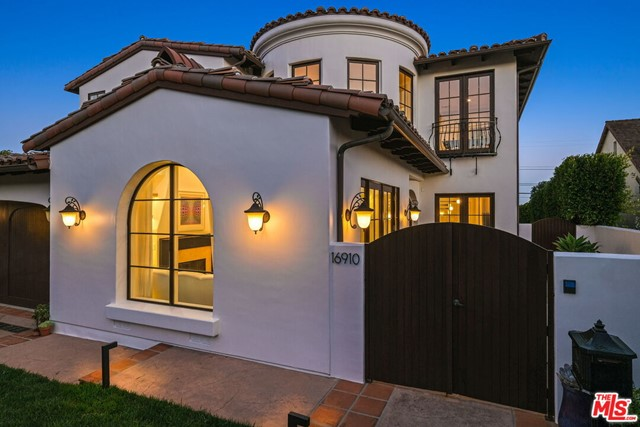 16910 Bollinger Dr, Pacific Palisades, CA 90272 Photo