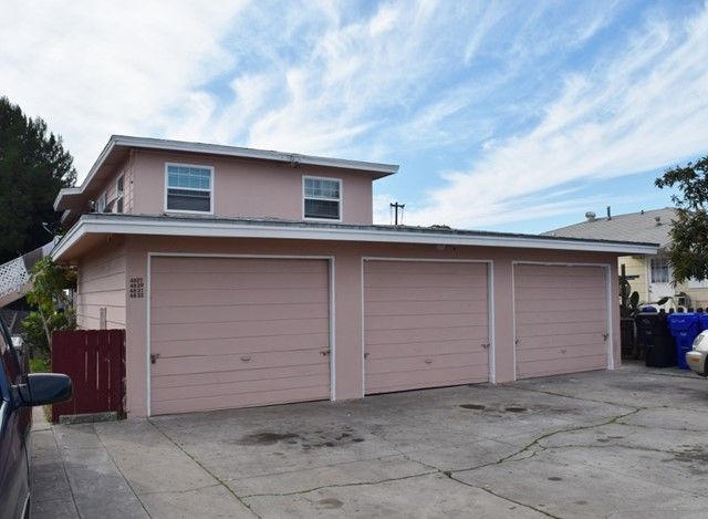 4827 Castle, San Diego, CA 92105