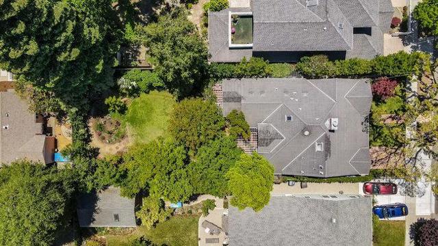 68. 575 Oak Street Mountain View, CA 94041