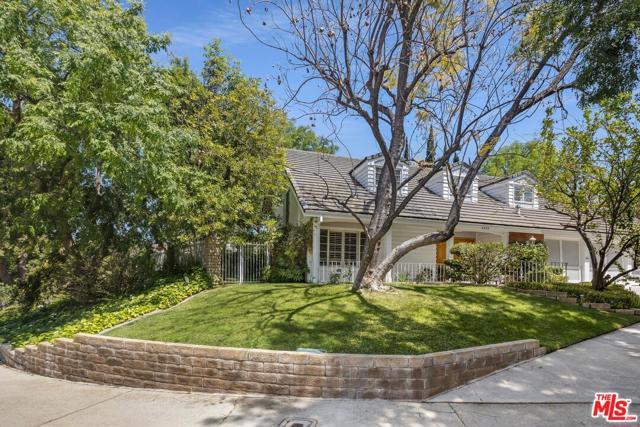 3. 4420 Da Vinci Avenue Woodland Hills, CA 91364