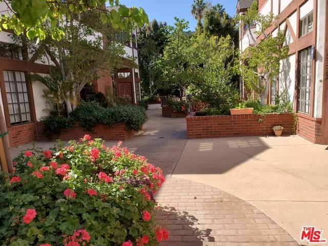 5323 WILKINSON Avenue 8, Valley Village, CA 91607