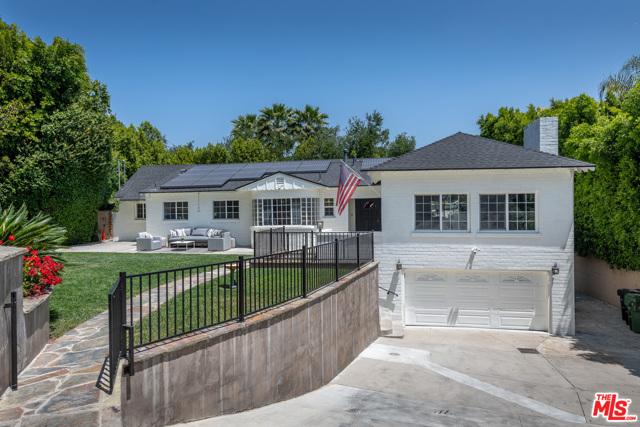 16633 Oak View Drive Encino, CA 91436