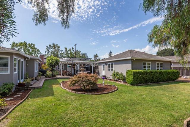 609 Hollingsworth Drive, Los Altos, CA 94022