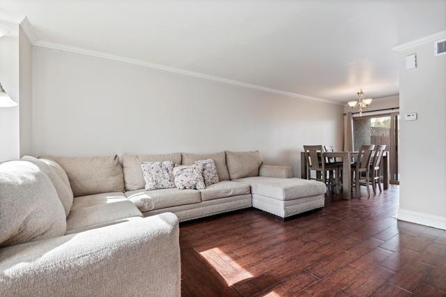 04 - Living Room