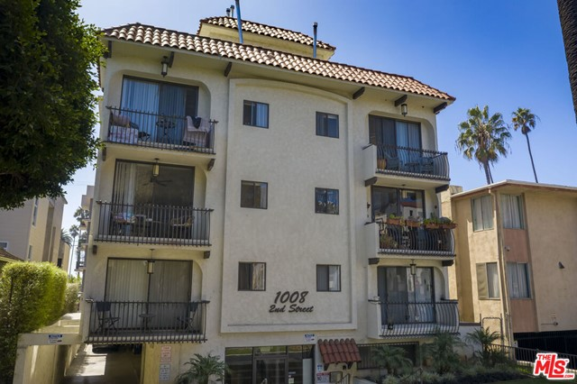 1008 2nd Street is an incredible asset in the heart of LAs famed beach City of Santa Monica. Originally built in 1969, the building boasts an ideal unit mix consisting of all large 1 & 2 bedroom units. Each of these units are extremely spacious, have a terrific floor plan, and offer an abundance of natural light.There is significant rental upside and on-site parking for 21 cars as well as an on-site laundry facility. The unit mix includes (1) 2-bed, 3-bath with a den unit, (4) 2-bed, 2-bath units, (5) 1-bed, 2 bath with a den units, and (4) 1-bed, 1 bath units. This is a fantastic trophy asset in an undeniably attractive location that will surely pay long-term dividends to a savvy investor.A quick walk to Third Street Promenade and the beach, this rare offering presents an astute investor with the unique opportunity to capitalize on higher market rents and to acquire a premier turnkey asset in one of the best rental locations in all of Los Angeles.