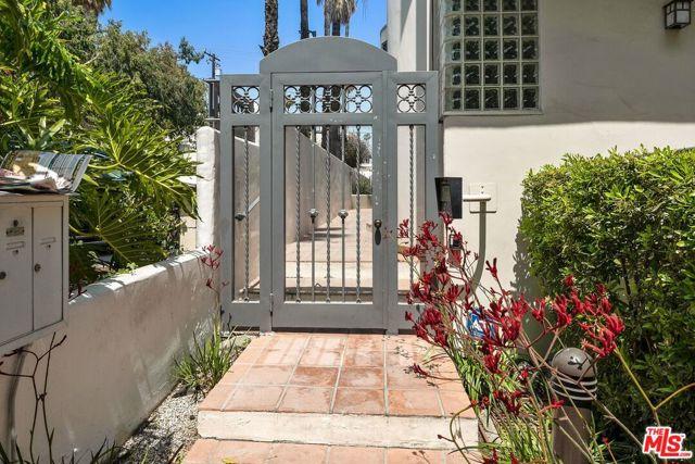 2. 817 17Th Street #3 Santa Monica, CA 90403